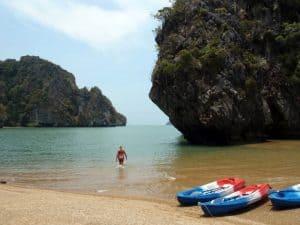 Spiaggia dell'isola di Talabeng