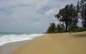 Spiaggia di Mai Khao Beach