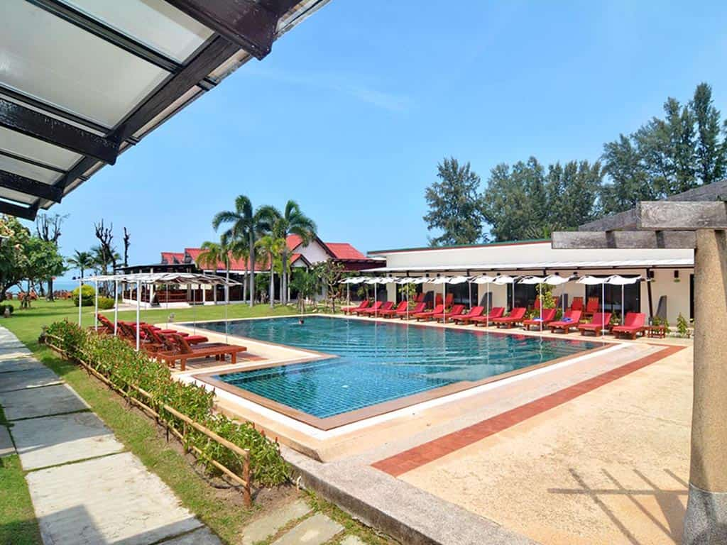 Koh Lanta Hotels - Golden Bay Cottages Resort - Piscina