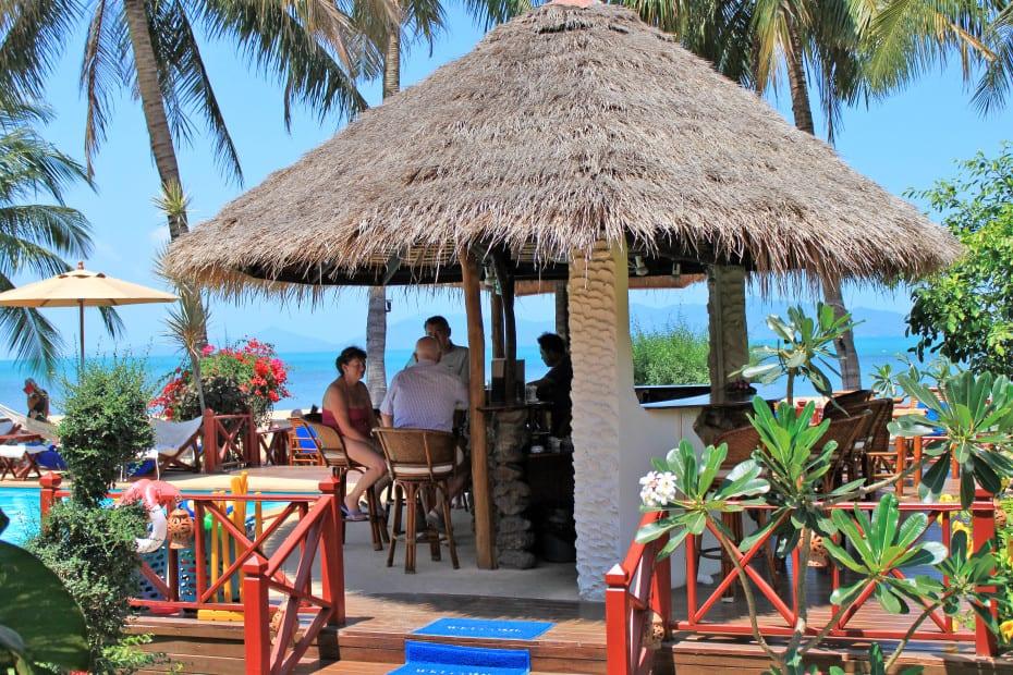 The Waterfront Resort - Piscina