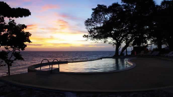 Phi Phi Natural Resort - Piscina